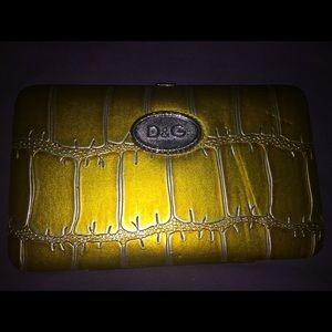 D&G Glossy Metallic YellowFaux Gator Hinged Wallet